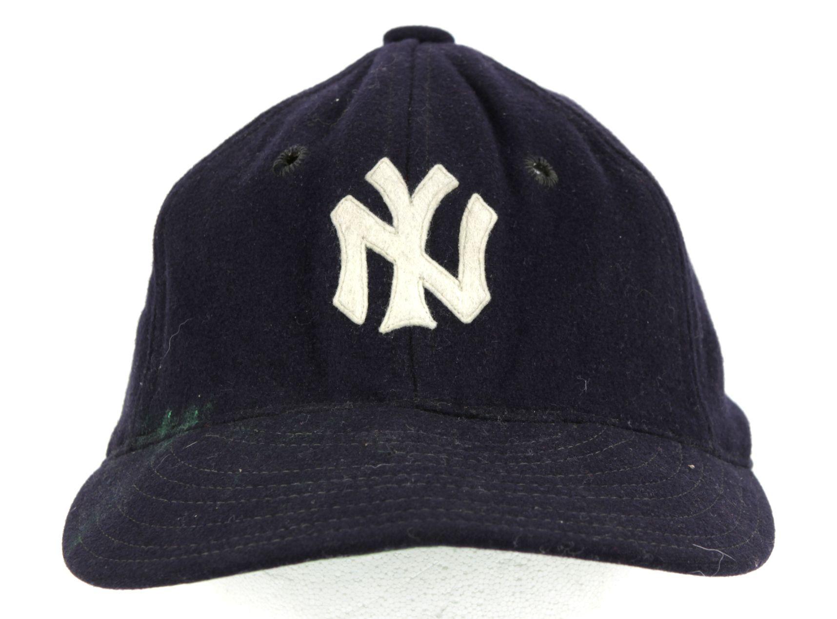 Lot Detail - 1930 s New York Yankees Spalding Cap ee29f89707d