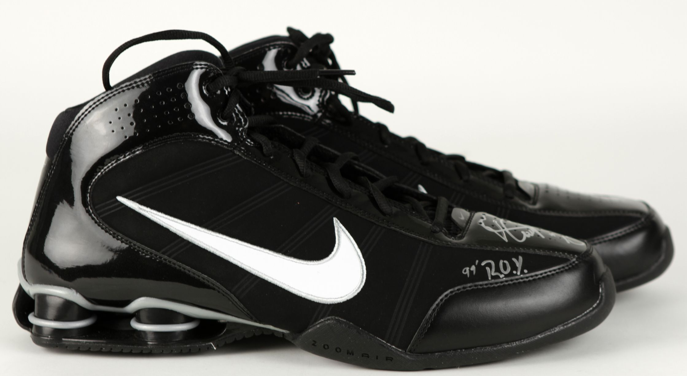 official photos 95d87 2e184 2009 Vince Carter Orlando Magic Signed Nike Basketball Shoes - JSA. Tap to  expand