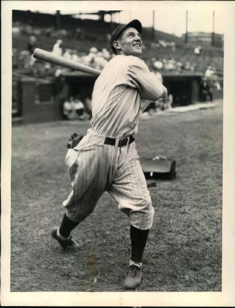 "1929 Elwood English Chicago Cubs ""The Sporting News Collection Archives"" Original 6.5"" x 8.5"" Photo (Sporting News Collection Hologram/MEARS Photo LOA)"