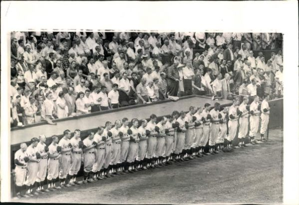 "1958 Moment of Silence for 10th Anniversary of Babe Ruths Death New York Yankees ""Seattle Times Archives"" Original 6.5"" x 10"" Photo (Seattle Times Hologram/MEARS LOA)"