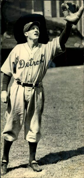 "1934 Goose Goslin Detroit Tigers ""Boston Herald Archives"" Original 4.5"" x 9"" Photo (BH Archives Hologram/MEARS LOA)"