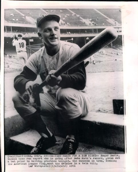 "1961 Roger Maris New York Yankees ""Seattle Times Archives"" Original 8"" x 10"" Photo (ST Archives Hologram/MEARS LOA)"