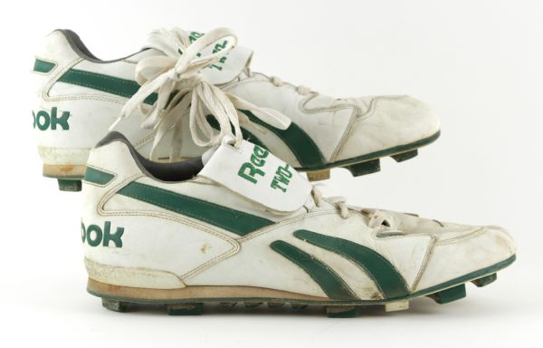 1989  Brian Noble Green Bay Packers Game Worn Cleats - MEARS LOA