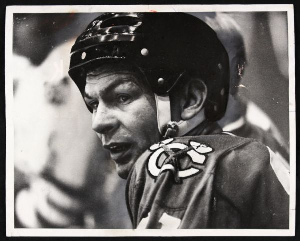 "1974 Stan Mikita Chicago Blackhawks Original 8"" x 10"" Photo"
