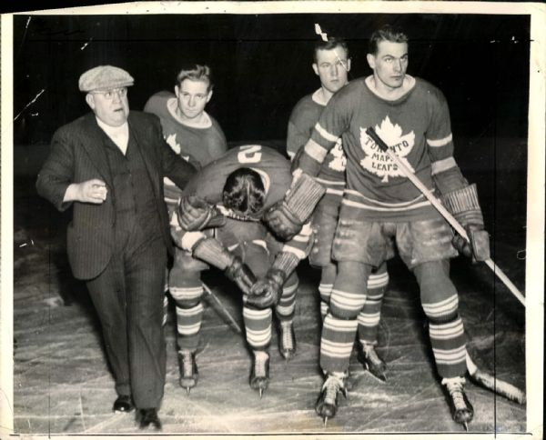 "1938 Red Horner Toronto Maple Leafs Original 8"" x 10"" Photo (MEARS LOA)"