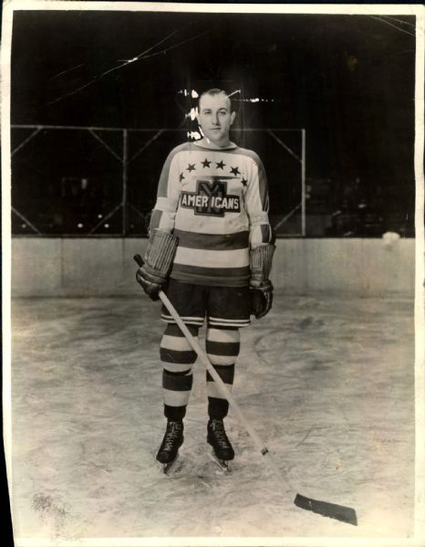 "1939 Sweeney Schriner New York Americans Original 7 1/2"" x 10"" Photo (MEARS LOA)"