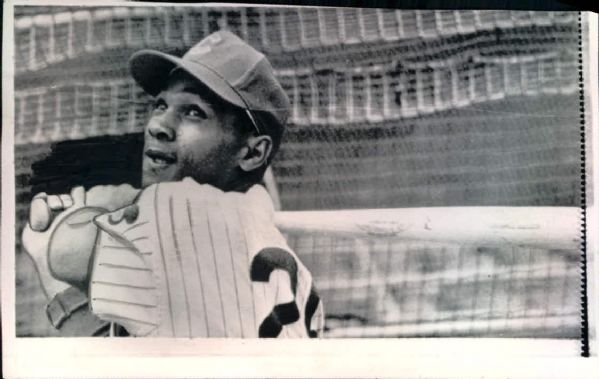 "1959-69 Billy Williams Chicago Cubs ""Seattle Times Archives"" Original Photos - Lot of 4 (ST Hologram/MEARS LOA)"
