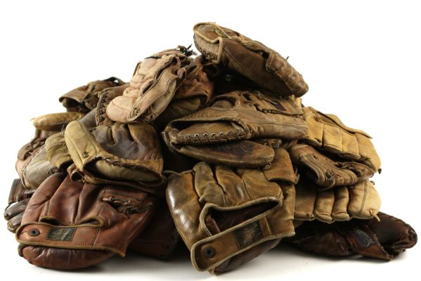 1930s-70s Store Model Player Endorsed Fielders Gloves w/ Mantle, Williams, Clemente, Koufax & More - Lot of 60