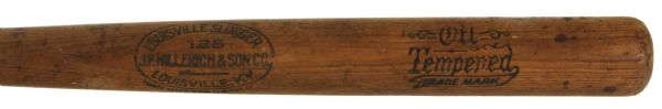 1915 circa JF Hillerich & Son Co. 125 Louisville Slugger Oil Tempered Professional Model Bat –Companies First Use of the 125 Centerbrand (MEARS LOA)