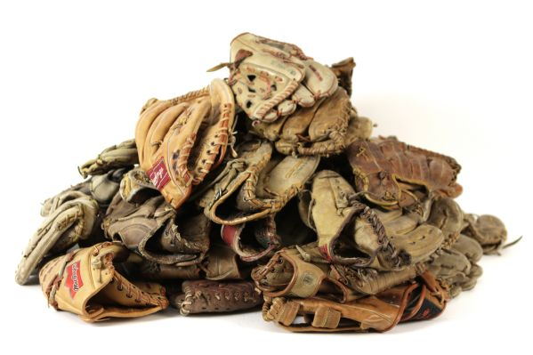1950s-90s Store Model Player Endorsed Fielder Gloves w/ Williams, Mantle, DiMaggio, Clemente, Mays, Koufax & More - Lot of 175
