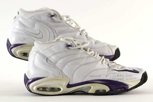 2000 Rick Fox Los Angeles Lakers Signed Game Worn Nike Air Shoes - MEARS LOA/JSA (Ed Borash Collection)