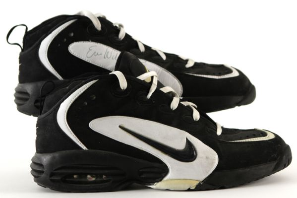 1995-97 Eric Williams Boston Celtics Signed Game Worn Nike Air Shoes - MEARS LOA (Ed Borash Collection)
