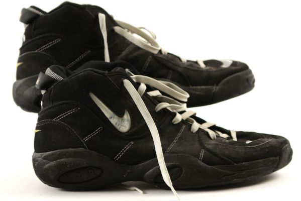 1994-99 Greg Minor Boston Celtics Signed Game Worn Nike Air Flight Shoes - MEARS LOA (Ed Borash Collection)
