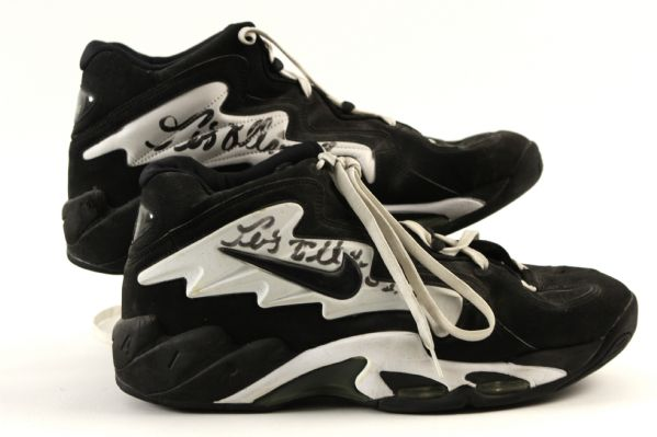 1994-00 Pervis Ellison Boston Celtics Signed Game Worn Nike Air Flight Shoes - MEARS LOA (Ed Borash Collection)