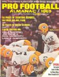 1967 Pro Football Almanac w/ Bart Starr on Cover Green Bay Packers