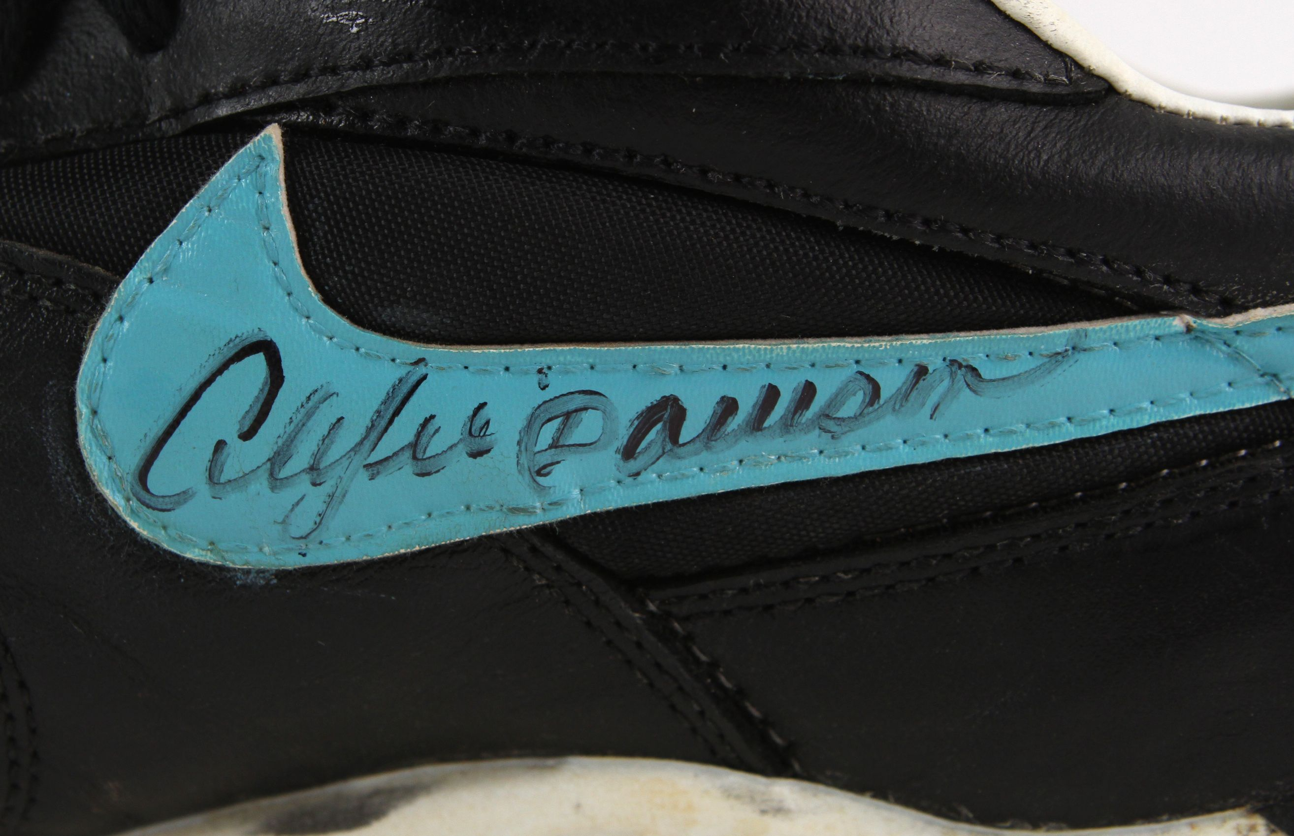 5427ca15d2a Lot Detail - 1995-96 Andre Dawson Florida Marlins Signed Game Worn Nike  Cleats (MEARS LOA JSA)
