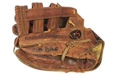 1985-86 Vida BLue San Francisco Giants Game Used Louisville Slugger Fielders Mitt (MEARS LOA)