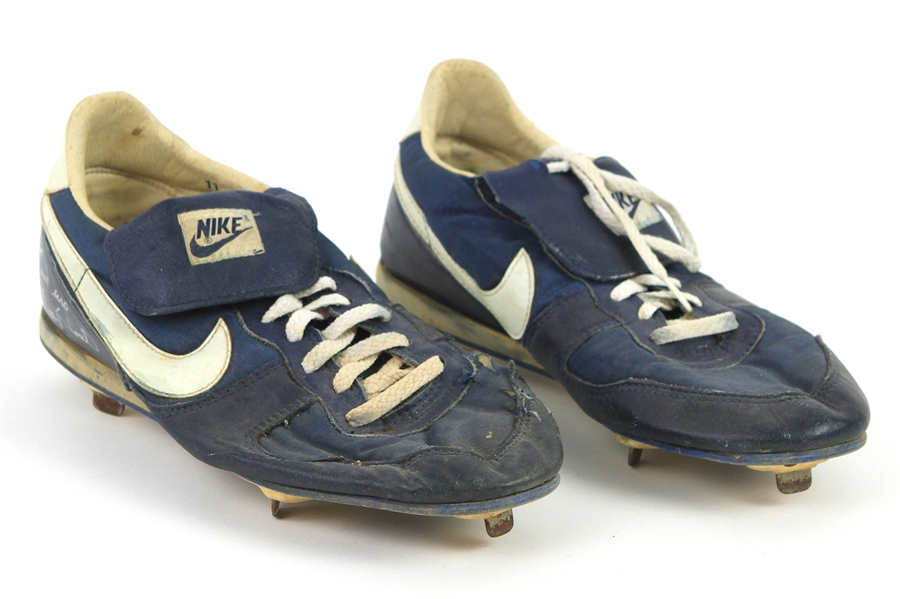 1990-91 Gary Sheffield Milwaukee Brewers Signed Nike Game Worn Cleats (MEARS LOA/JSA)