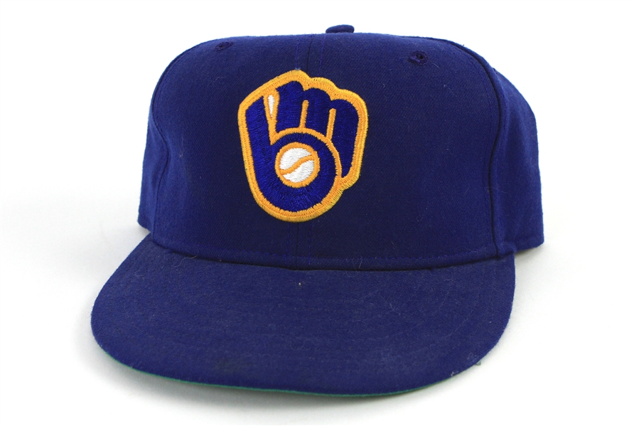 1988-89 Robin Yount Milwaukee Brewers Signed Cap (MEARS LOA/JSA)