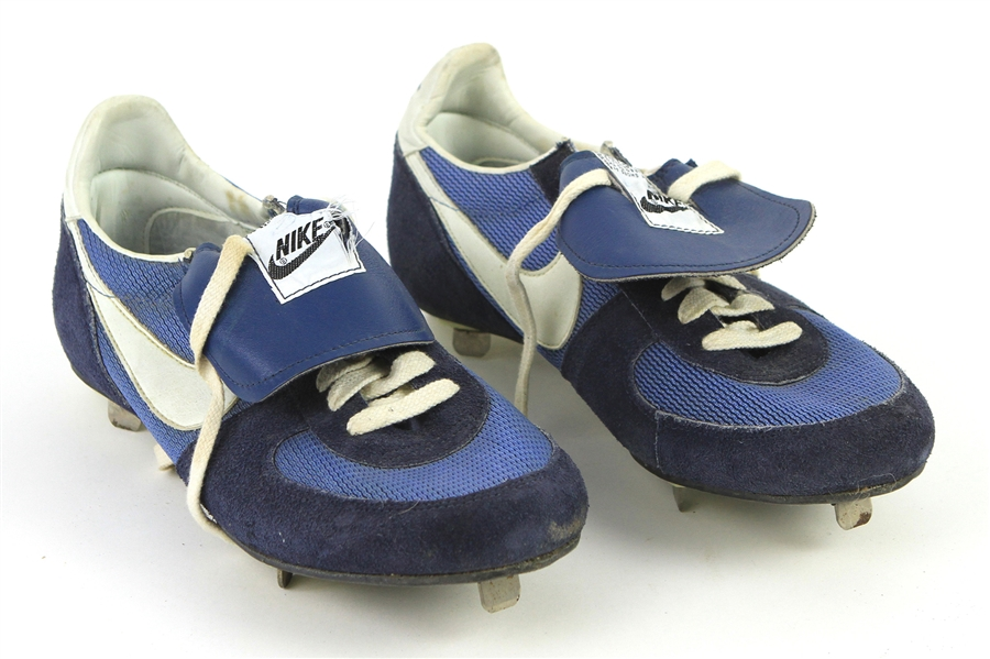 1988 Jefrrey Leonard Milwaukee Brewers Nike Game WOrn Cleats (MEARS LOA)