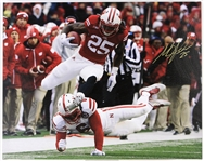"2014 Melvin Gordon Wisconsin Badgers Signed 24"" x 30"" Canvas Print (JSA)"