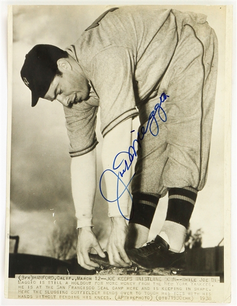 "1938 Joe DiMaggio New York Yankees Signed 8"" x 10.5"" Wire Photo (JSA)"